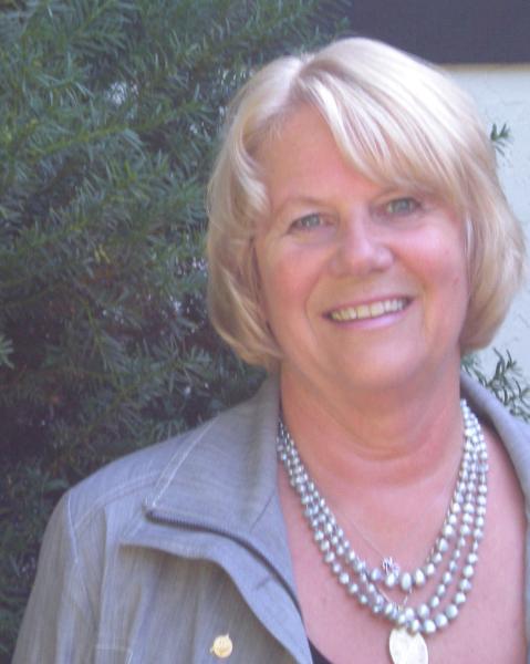 Eileen Jespersen Agent Photo