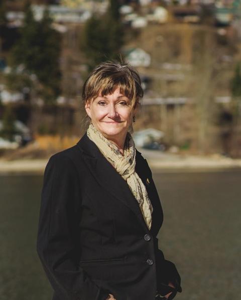 Tammy Peitzsche Agent Photo