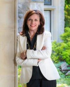 Cathy Travis Agent Photo
