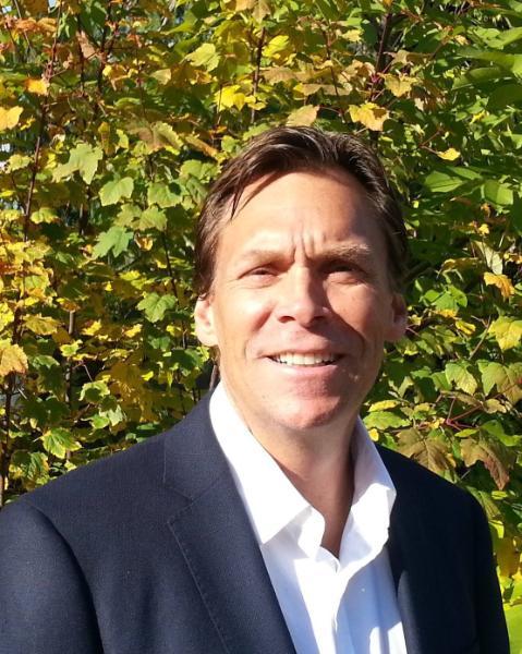 Robert Goertz Agent Photo