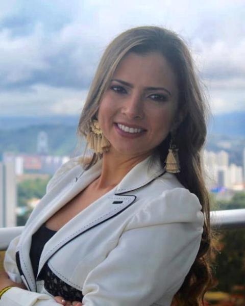 Rocio Tribaldos Agent Photo