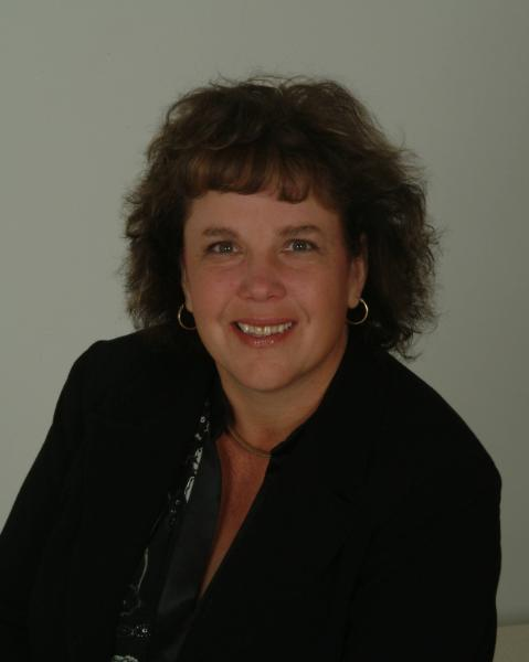 Denise Bouwmeester Agent Photo
