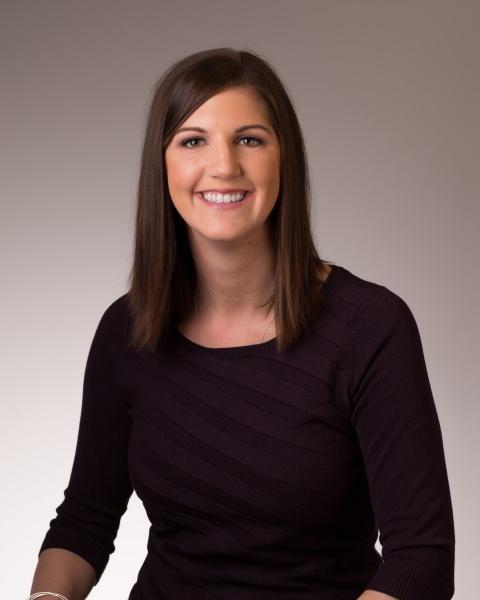 Robyn Hewer Agent Photo